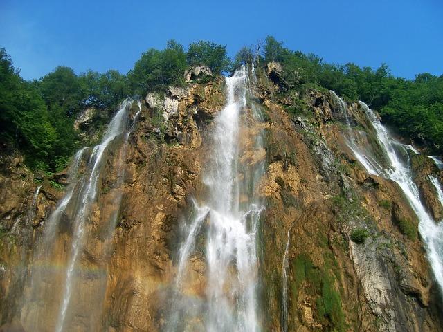 přírodní vodopád
