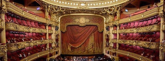 divadlo, opona