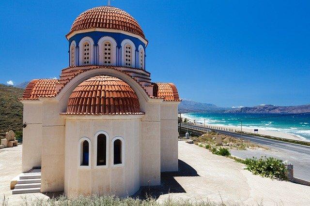 kostel, pláž